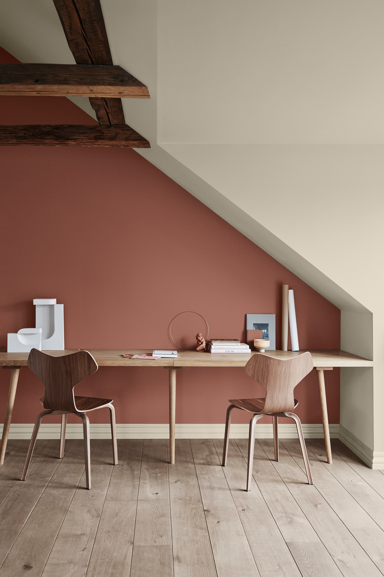 Jotun_20118_Amber_Red_12075_Soothing_Beige